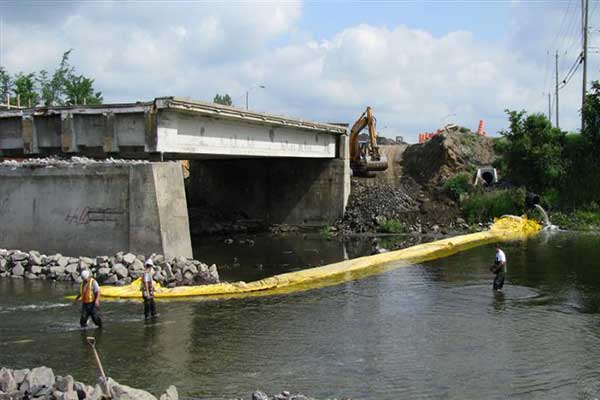 cofferdam in river for deck pile work
